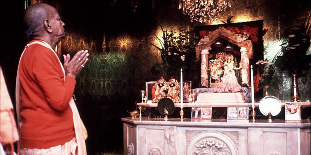 Srila Prabhupada Prays to Radha Krishna Deities